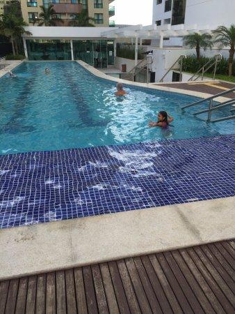 Esta a piscina do hotel aquecida com raia de 25 metros for Piscina 25 metros