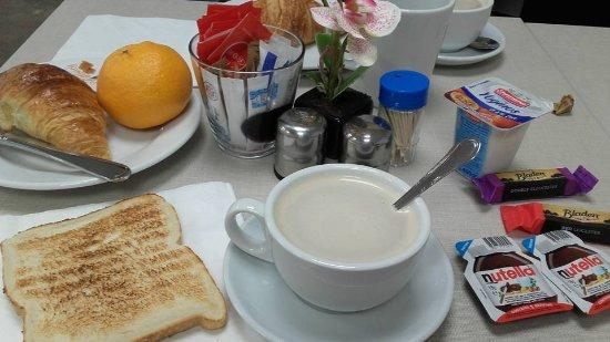 MStay Hyde Park Hotel : Colazione