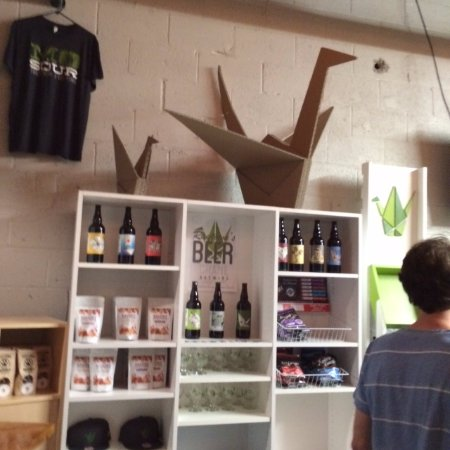 Raytown, MO: Beer, t-shirts, etc for sale