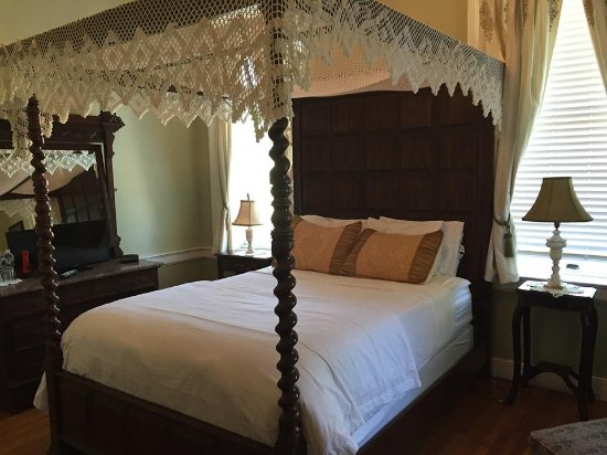 The Kenmore Inn: Fredericksburg Grand room