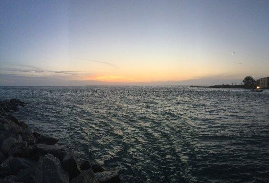 Sunset Vistas Beachfront Suites: photo0.jpg