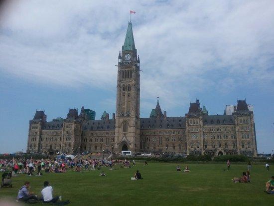 أوتاوا, كندا: Parliament Building facade