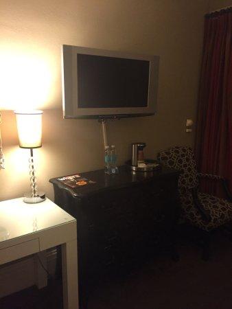 The Kensington Park Hotel: photo1.jpg