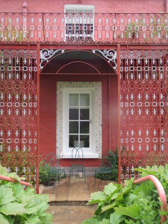 Glebe House and Gallery: Dramatic ironwork