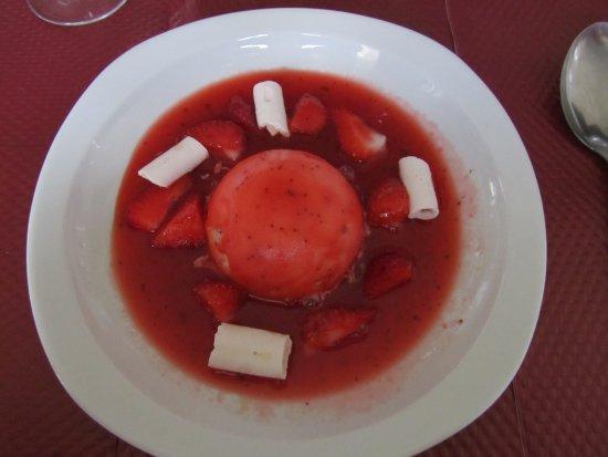 Aspremont, Γαλλία: Soupe de fraises au basilic, glace aux olives