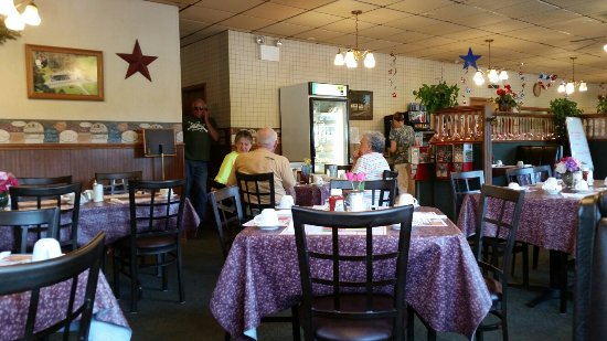 Sandy Lake, PA: Family Diner