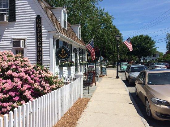 Essex, CT: Walking down Main ST