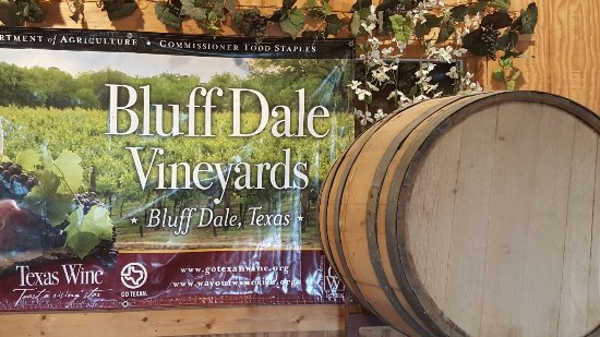 Bluff Dale Vineyards: 20160618_180707_large.jpg