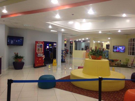 Seralago Hotel and Suites: Recepção.