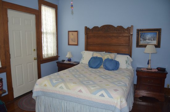 Olde Stonehouse Bed & Breakfast: Becca's Room