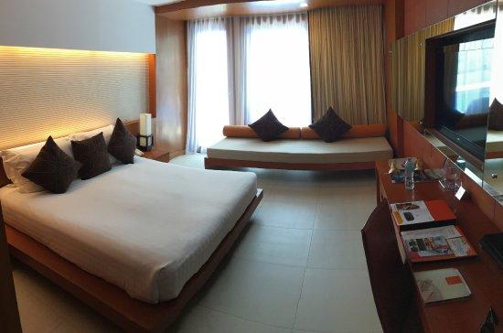 La Flora Resort Patong: spacious and clean room