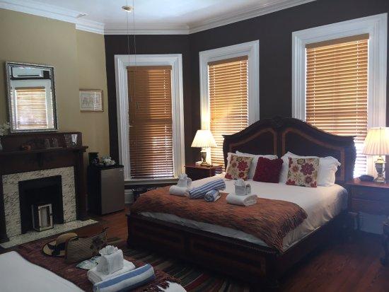 Artist House: Anne's Suite