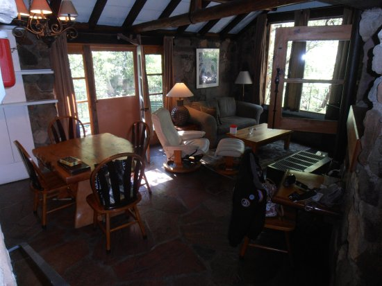 Forest Houses Resort: This is the living/dining room in our cabin.