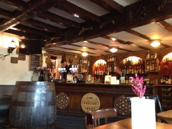 Bar do The Ensign Ewart