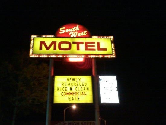 Southwest Motel : $34