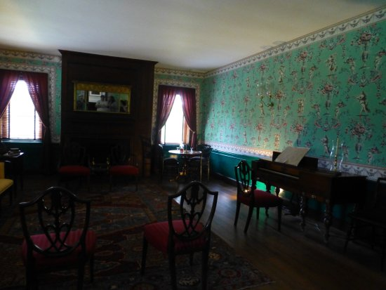 Locust Grove: Inside the house
