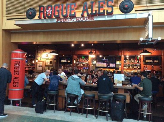 Rogue Ales Public House At Pdx Concourse D