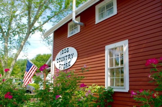 Centerville, MA: 1856 Country Store