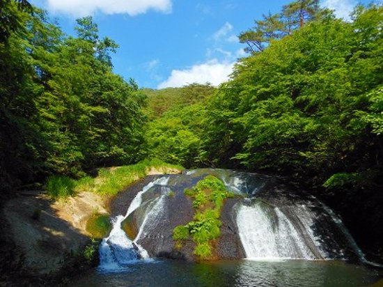 Hanamaki Onsenkyo: 花巻温泉 釜渕の滝
