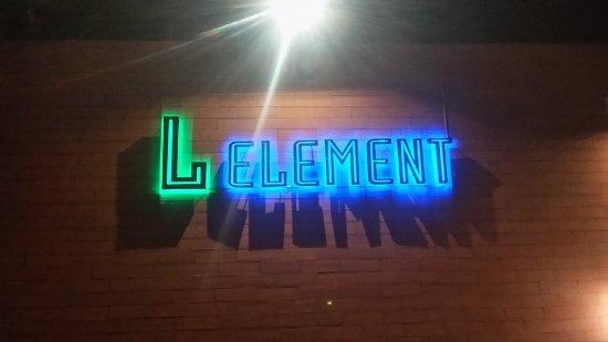L element bar&seafood Restaurant
