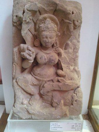Kannauj, อินเดีย: Naga Devi