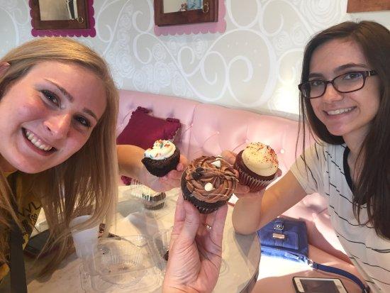 Nadia Cakes Cupcake Shop: photo0.jpg
