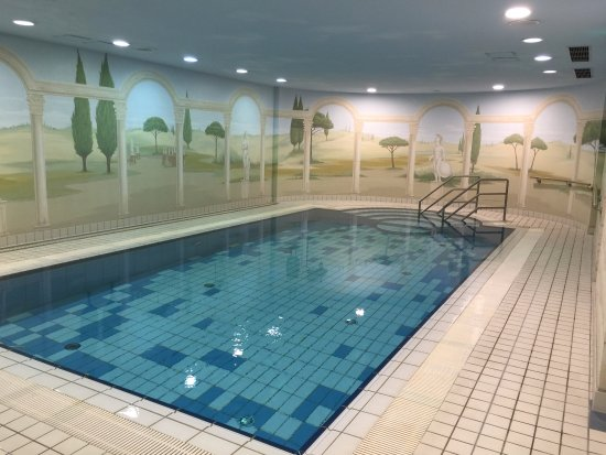 Art Hotel Aachen Superior: I loved this pool!!!!!!