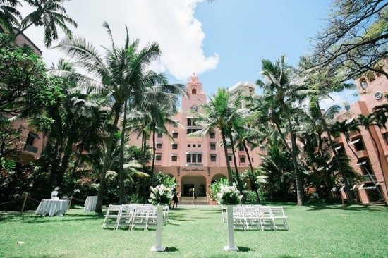 The Royal Hawaiian A Luxury Collection Resort Waikiki Coconut Grove Gardens For