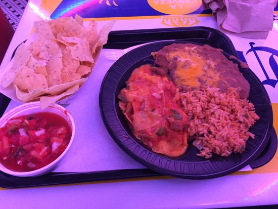 San Antonio Taco Co: Enchilada plate