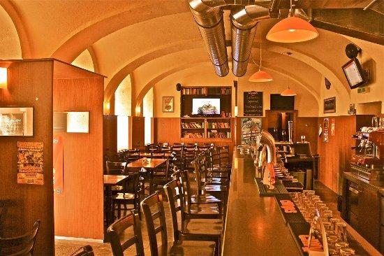 Pointers Bar & Restaurant