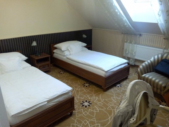 literie picture of golden royal boutique hotel spa kosice tripadvisor. Black Bedroom Furniture Sets. Home Design Ideas