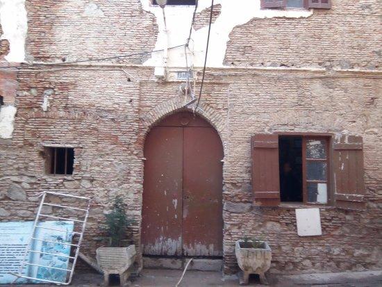Bejaia, Algeria: En plain travaux de décapage