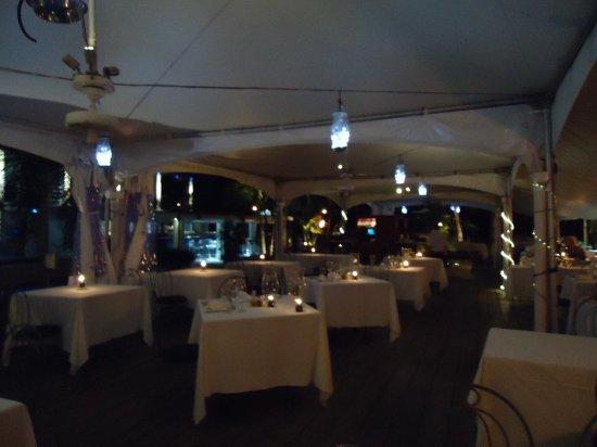 Holetown, Barbados: Main dining area