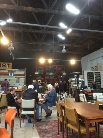 Paeroa, Selandia Baru: Superb coffee, nourishing food and fine service