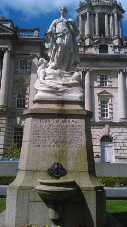 City of Belfast Guided Tours : Titanic memorial Belfast city hall