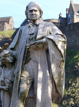 Thomas Guthrie Statue