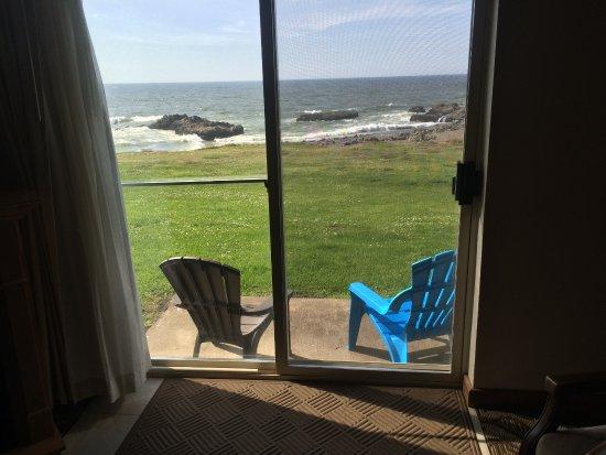 Adobe Resort: The ocean is so close.