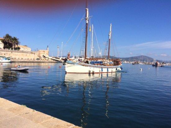 The Andrea Jensen Boat Trip: Waiting for Andrea in Alghero