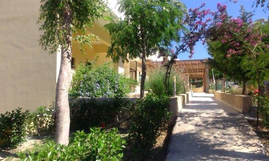 Miraluna Garden