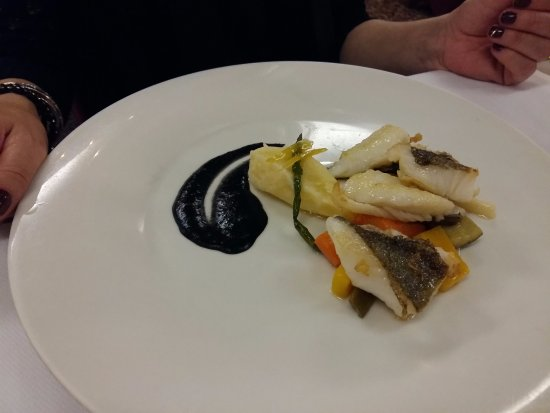 Salgareda, Italia: san pietro con salsa di fagioli neri