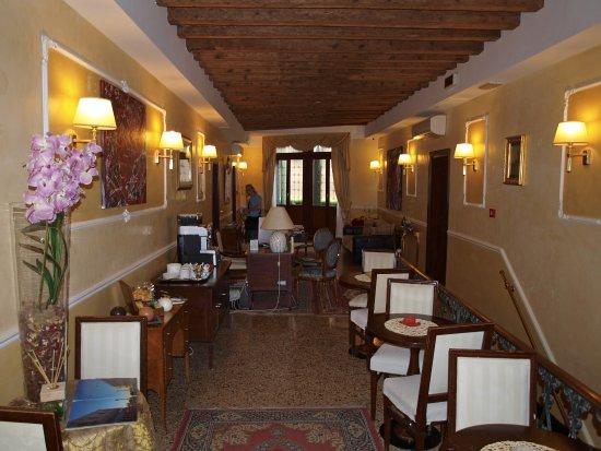 Ca' del Nobile: Lobby und Frühstücksecke