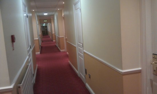 Holiday Inn Killarney: Corridor