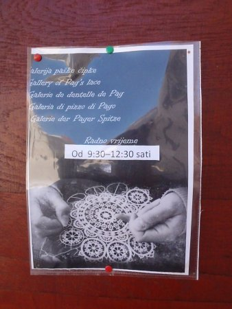Isla de Pag, Croacia: Opening hours :(