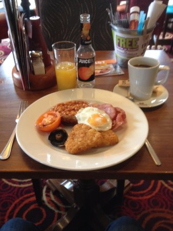 Hungry Horse - The Matchstick Man: My breakfast plate at The Matchstick Man