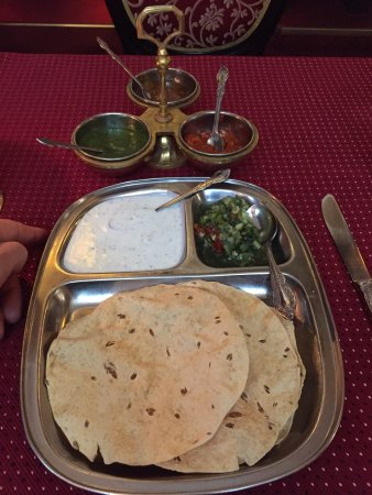 Jewel of India: Great food !  It takes a lot of time and dedication to run deliver good food and service in such