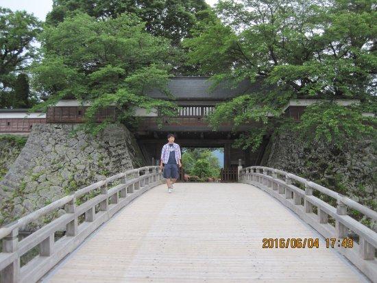 Takashima Castle: 本丸御門への太鼓橋