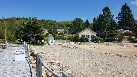 Boutiliers Point, Kanada: Larinda's Landing Oceanfront Cottages