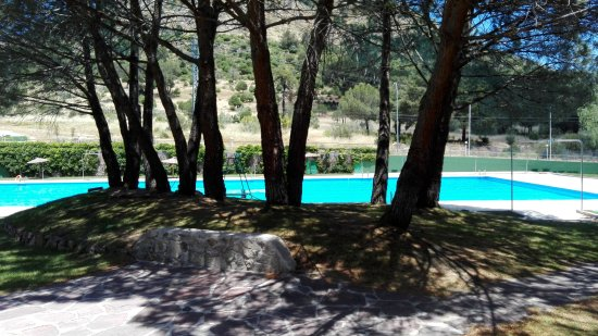 Camping el canto la gallina desde valdemaqueda for Piscina olimpica madrid