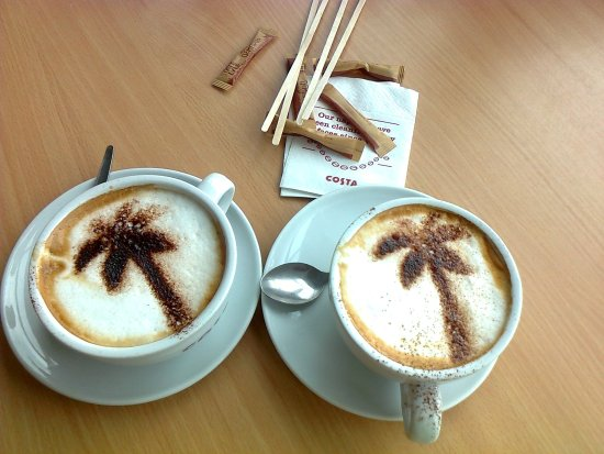 Ardley, UK: Delicious Costa Cappuccinos at Cherwell Valley Service Station