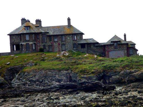 Trearddur Holiday Bungalows : Craig y Mor (spooky house)
